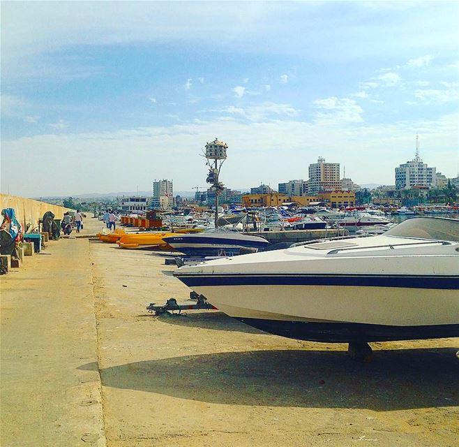 tyre tyr tyrecity sourcity tyrepage southlebanon beach ... (Tyre Fishermen Port.)