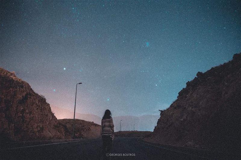 بحبك ما بعرف هن قالوليمن يومها صار القمر أكبر✨✨ ينعاد_عليكي_يا_ست_الكل_في