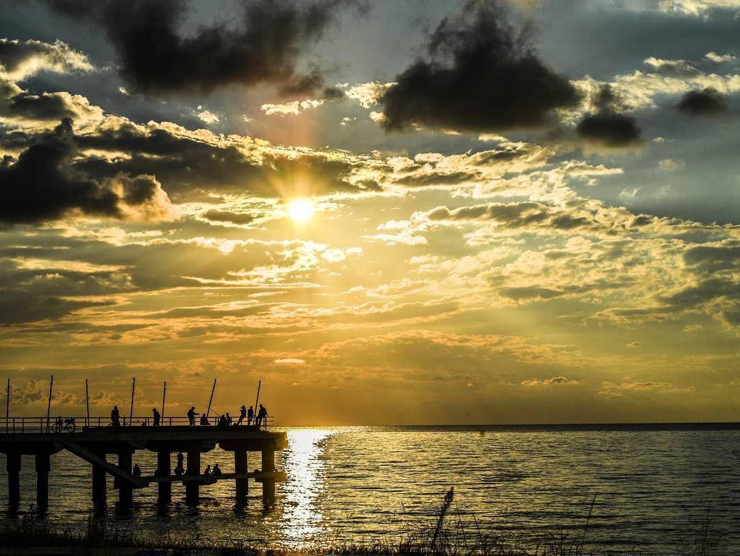 ..غالبا....هناك من يراقبك بعين المحبة وأنت لا تعلم💚... batumi ... (Batumi Black Sea Beach / ბათუმის შავი ზღვის სანაპირო)