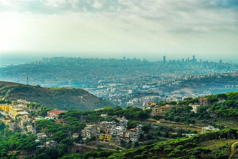 ..بعض اﻷماكن...تشتاق لأصحابها💚 لبنان .. ptk_lebanon lebanonshots ...