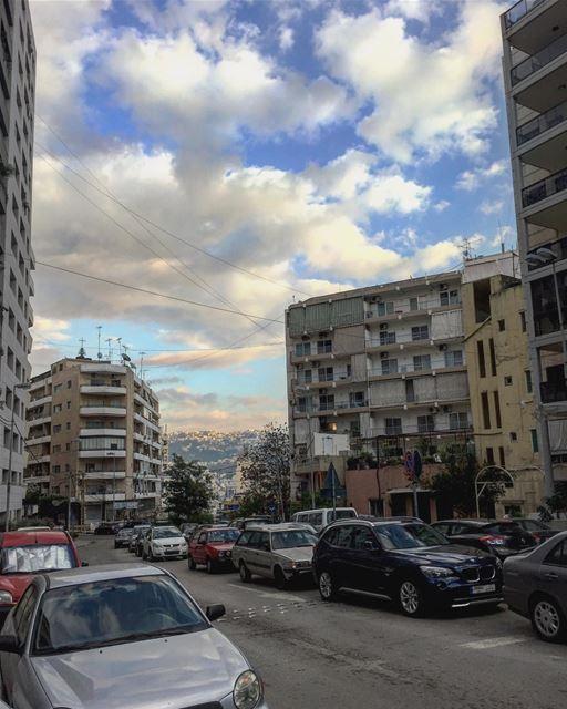 One sky, two shades of blue. nofilter lebanon beirut geitawi road ... (Geitawi)