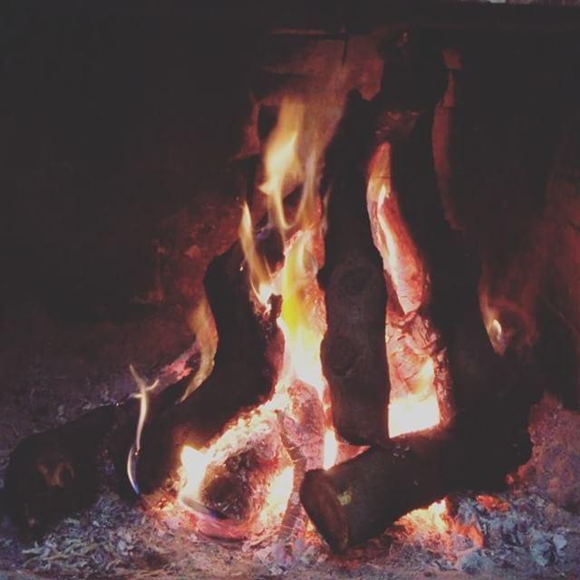 Warm me up boomerang lebanon bekaa qabelias winter ... (Qabb Ilyas, Béqaa, Lebanon)