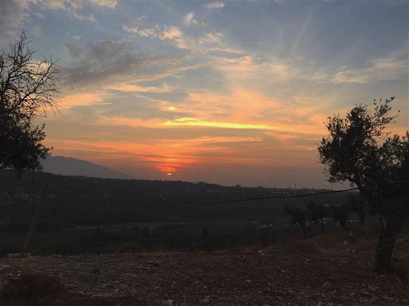 Find shelter سوريا lebanon akkar bebnine sunset ... (Bebnine)