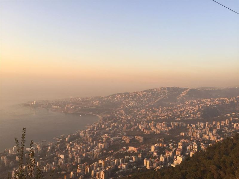 jounieh lebanon livelovelebanon cablecars sunset sea moutains ... (Telefrique Harrisa)