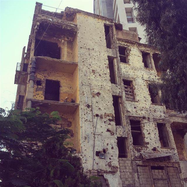 1975-1990 livelovelebanon lebanon beirut beyrouth ashrafieh ... (Beirut Lebanon - Ashrafieh)