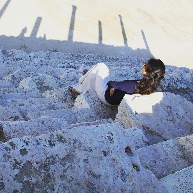 tyre lebanese lebanon middleeast тир ливан среднийвосток римскийтеатр древ