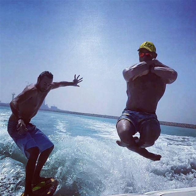 Weekend mode 🏄😎🤘 wakesurfingdubai wakesurf wakesurfing wakesurfers ... (Lulu Island, Abu Dhabi)
