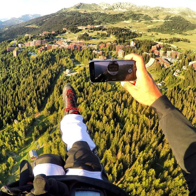 Selfie time 😎🤘  livelovebeirut  paraglidinglife  paragliding ... (Les Arcs, French Alps)
