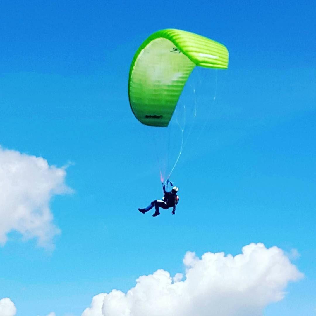 😎🤘 livelovebeirut paraglidinglife paragliding paragliders ... (Les Arcs, French Alps)