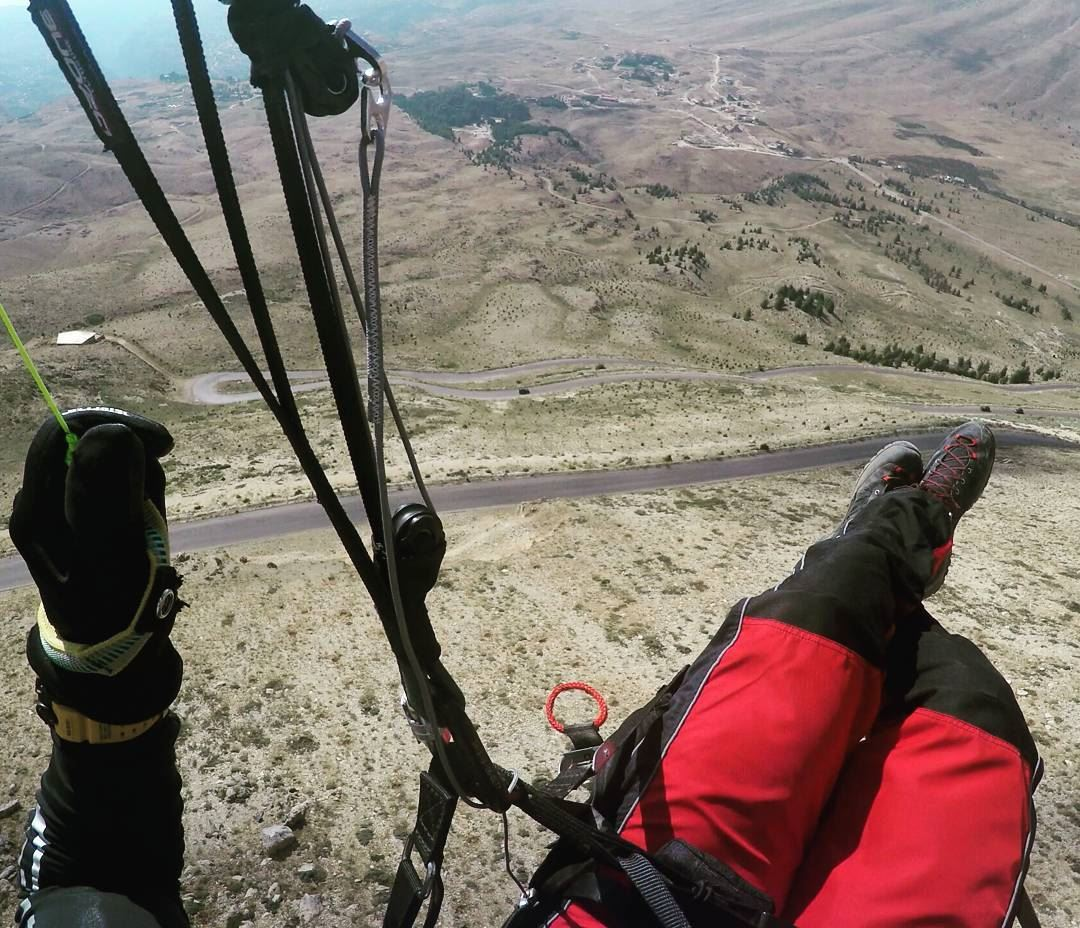 Enjoying the fresh mountain air 😎🤘😎 livelovebeirut paraglidinglife ... (The Cedars, Lebanon)