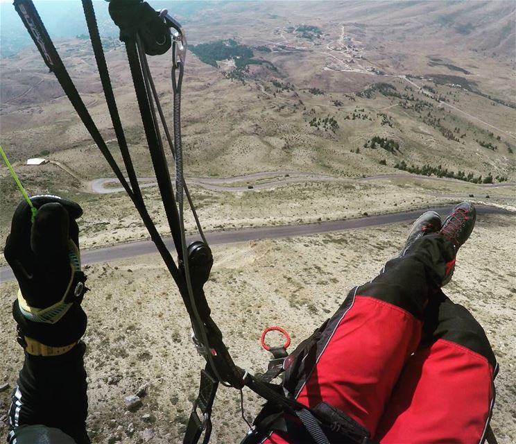 Enjoying the fresh mountain air 😎🤘😎  livelovebeirut  paraglidinglife ... (The Cedars, Lebanon)