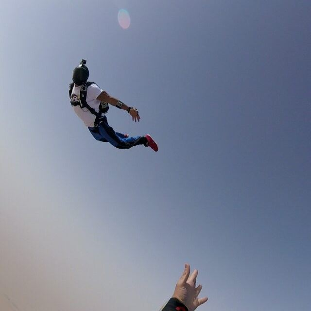 Tracking...  skydiving  skydive  ridingthewind  xdubai  livelovedubai ... (Skydive Dubai)