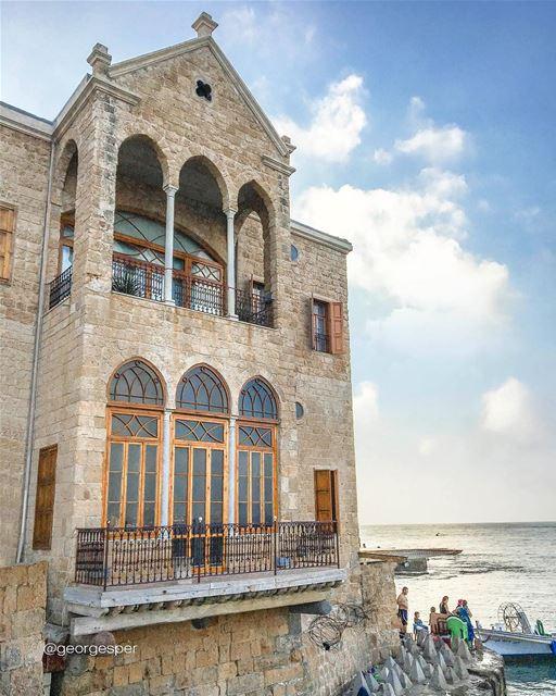 Old port of Tyre 🇱🇧 Happy Weekend ... proudlylebanese ... (Tyre, Lebanon)