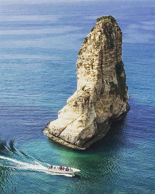 Happy Friday 🇱🇧... proudlylebanese beautifullebanon livelovebeirut... (Beirut, Lebanon)