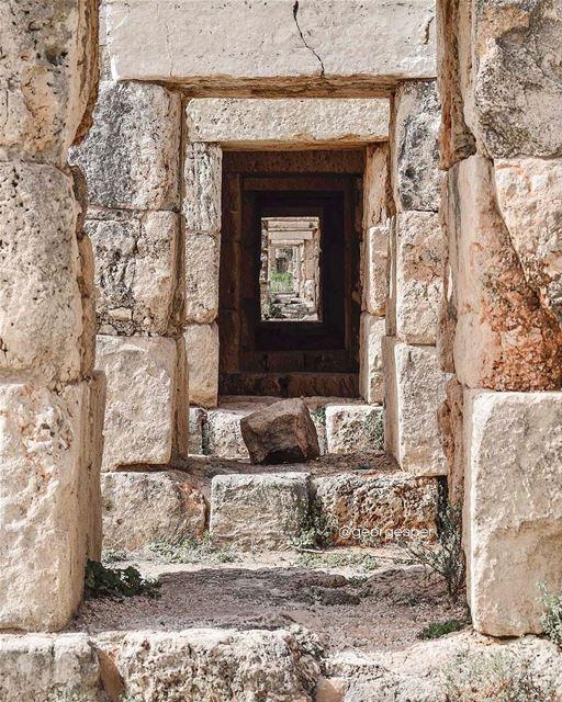 Al-Bass Archeological site, Tyre 🇱🇧 proudlylebanese beautifullebanon ... (Tyre, Lebanon)