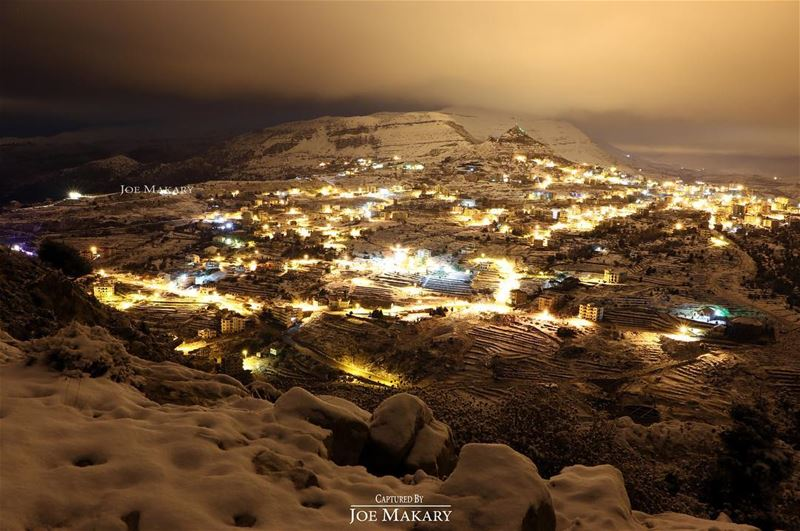 ehden snow night light beautifullebanon thebestinlebanon ...