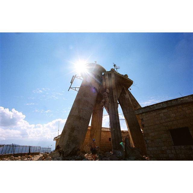 Star Wars———antenna designed by Oscar Niemeyer & destroyed during the... (Ehden, Lebanon)