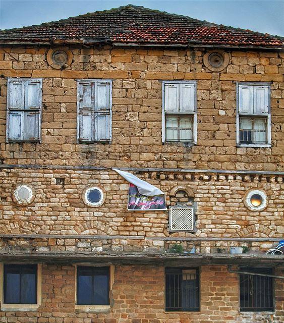 Someday I'll be living in a big old city 🏚🏚 (Lebanon-Saida)