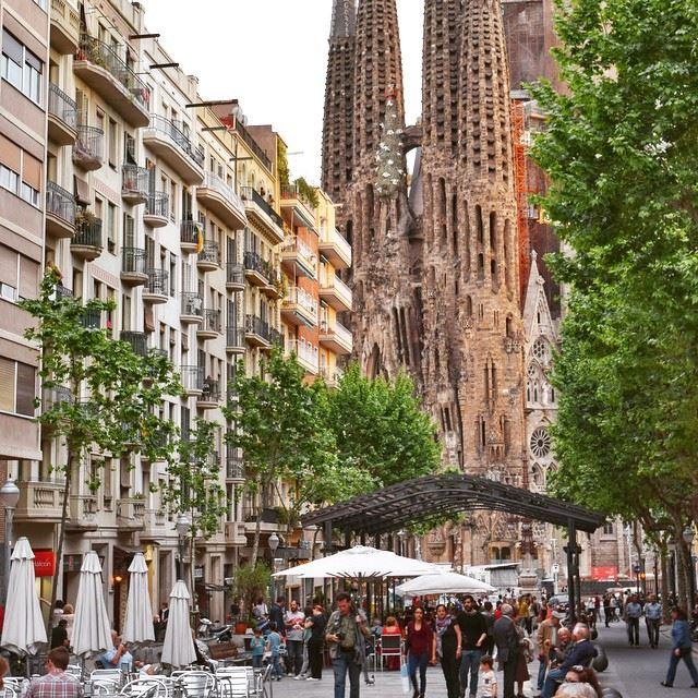 worldunion worldcaptures wonderful_places worldplaces igworldclub ... (Calle Cartagena Sagrada Familia Barcelona)