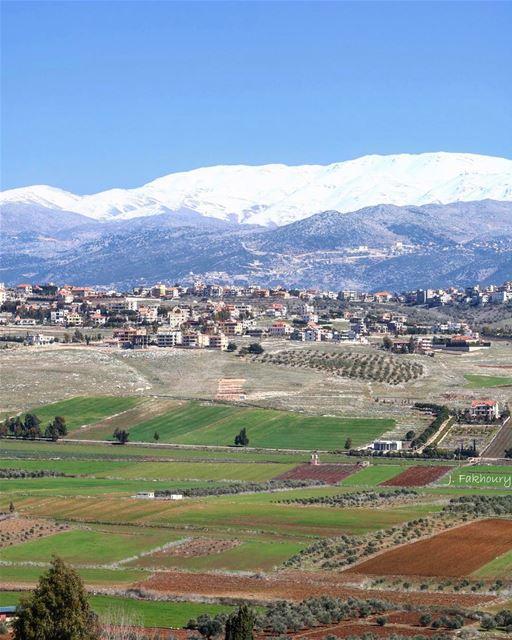 Swapping seasons 🍂🌱 @livelovemarjeyoun (Marjayoûn, Al Janub, Lebanon)