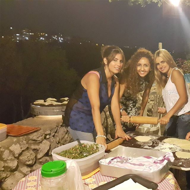 saj night bday yummy lebanon traditionalfood lebanesefood ...