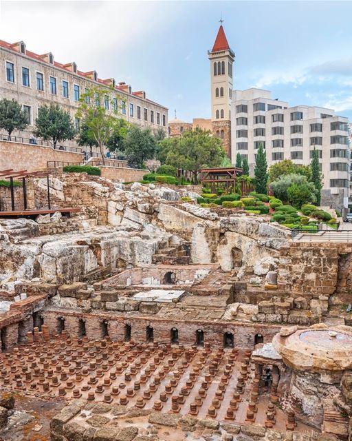 Ruínas de termas romanas descobertas durante escavações no centro de... (Roman Bath Ruins - Beirut)
