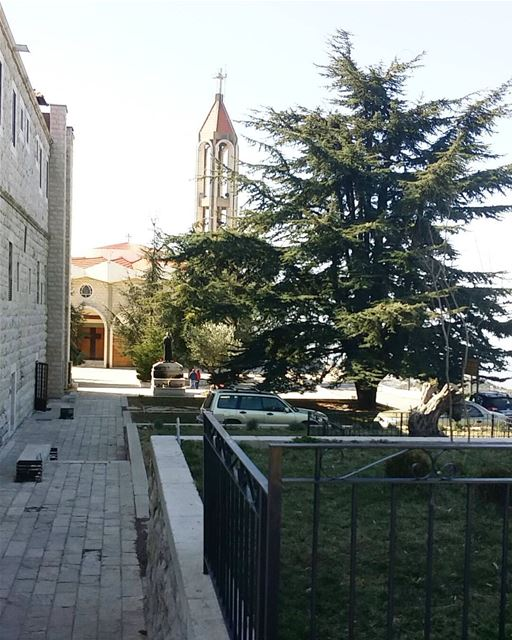 Have a blessed Sunday everyone💜🙏 lebanon lebanon_hdr lebanonmania ... (Annaya - Saint Charbel.)