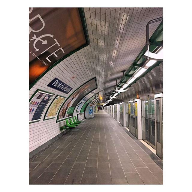 🚉 metro underground subway blogger classic paris ratp ... (Métro)