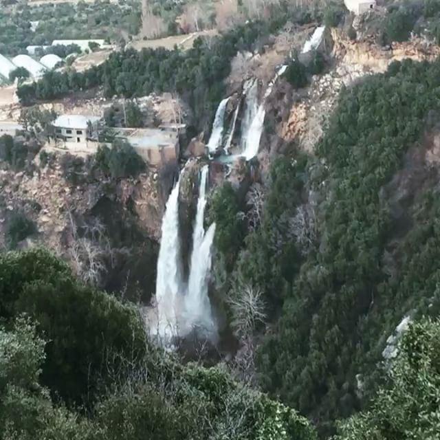 .–––––––––––––––––––––––––––––––––––Location: Kfarhelda BsatinElOssi ... (Bsatin Al-Ossi Waterfalls)