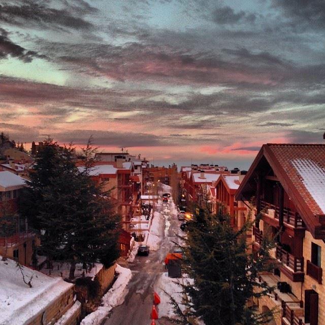 christmas chillin beautiful landscape faraya ...