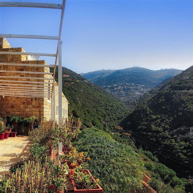 ⬅️swipe left, it's a pano➡️. . . livelovelebanon livelovebeirut ... (Ghazir, Mont-Liban, Lebanon)