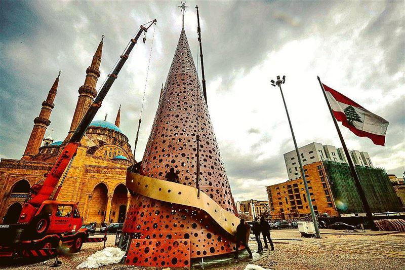 Christmas tree installed in Beirut (by @afpphoto) 🎄🇱🇧 lebanon ...