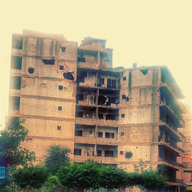 A witness to Lebanon's Civil War (1975-1990) ein elrimeneh- Beirut 🏘 🇱🇧...
