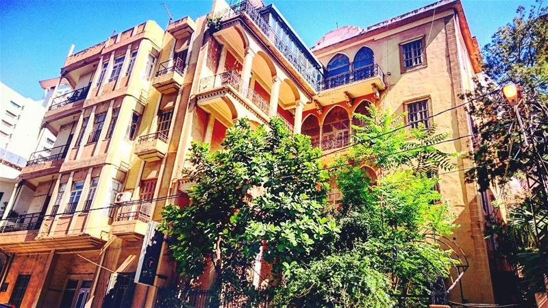 Another traditional building in ashrafiyeh - Beirut (photo taken in may) 🏘