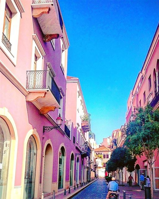 Blue and pink in Beirut 🏡 🇱🇧 lebanon lebanese Beirut beirutdowntown... (Saifi village)