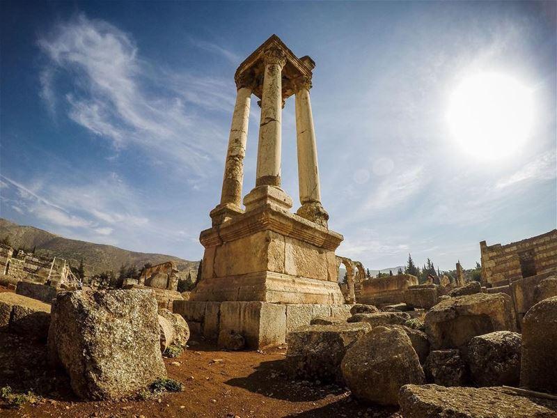 Morning ☀️... whatsuplebanon instagram lebanon_hdr wearelebanon ... (Umayyad Anjar Ruins)
