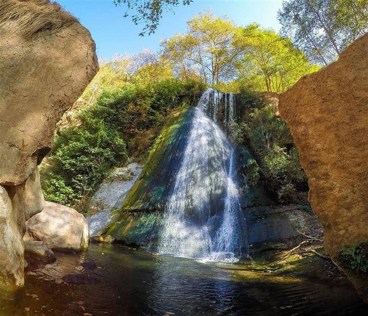 Kfarhelda Waterfalls 💦🍂.. earthpix earthofficial exklusive_shot ... (Kfarhelda)