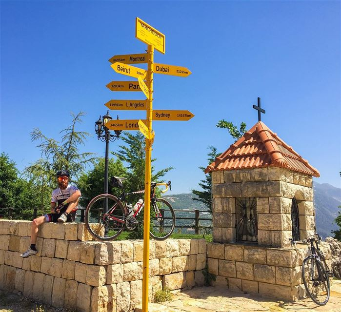 Lost? Just follow @haigmelikian 😌Thanks @stefanyysm for the shot ! 📷.... (Yahshush, Mont-Liban, Lebanon)