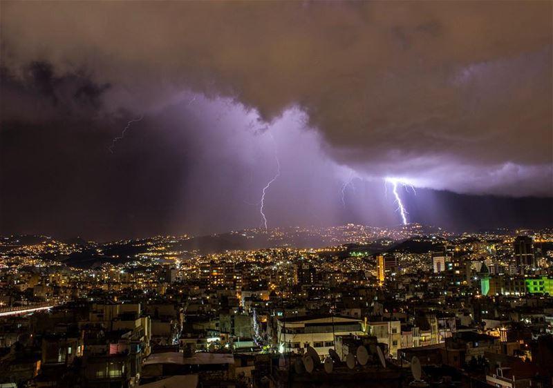 Good night ⛈ lebanon weather lightning thunder rain canon ig_leb ...
