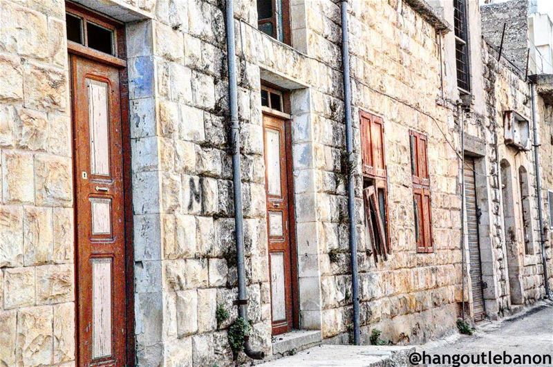 Yaroun=beautifuloldhouses -------------------------------... (Yaroun - South Lebanon)