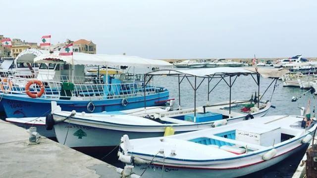 Sour port------------------------------ hangoutlebanon ... (Tyr , Liban)