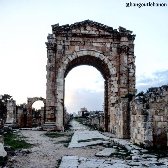 There is no castle in Tyre but a whole old city !!ما في قلعة ب صور بس... (Tyre, Lebanon)
