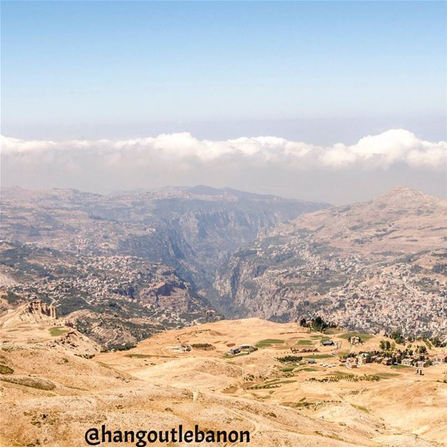 A view from the top to quadishavalley on the road from bekaa to arz ... (Al Arz Lebanon)
