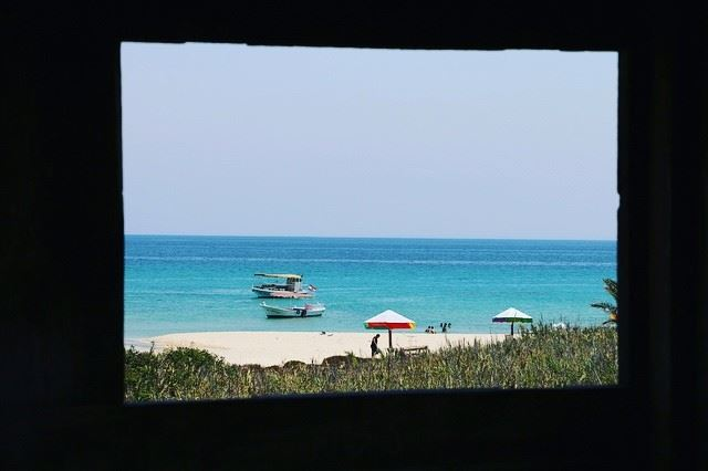 Sunday and beach, what a combination !--------------------... (Rabbits Island- El Mina.)