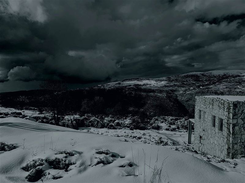 night nighttime moon snow clouds freezing tarchich lebanon ... (Tarchich)
