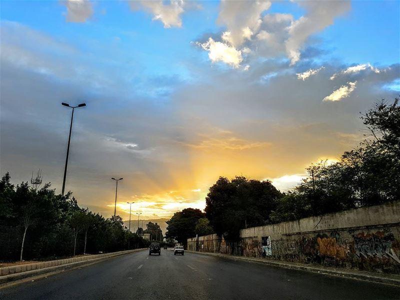 goodmorning rise sunrise lebanon lebaneese ... (Forum)