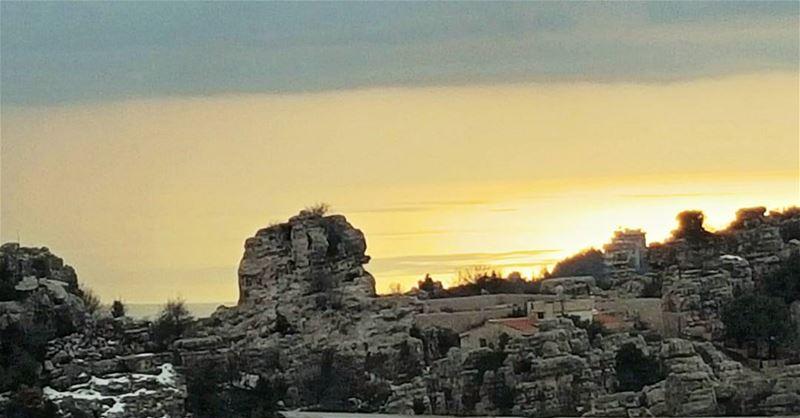 sunset veiw faytroun mountain instalebanon super_lebanon ... (Faytroun, Libanon)