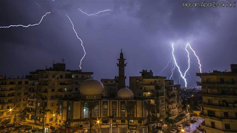 طرابلس القبة rain raining rainyday tripolilb pouring rainydays ...
