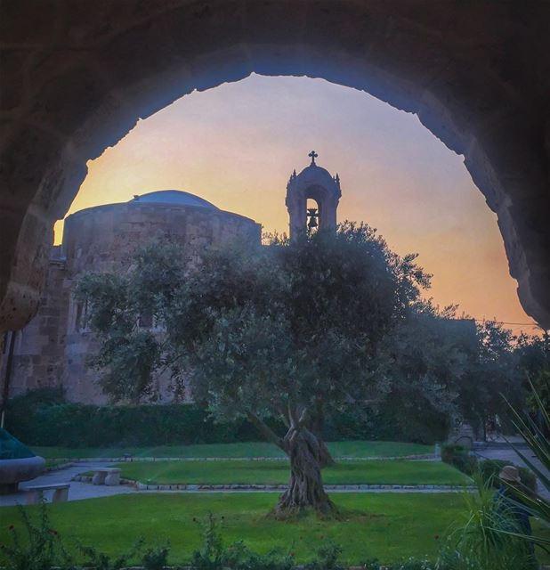 دايم دايم 🙏 ______________________________________ whatsuplebanon ... (St Jean Marc Church, Byblos)