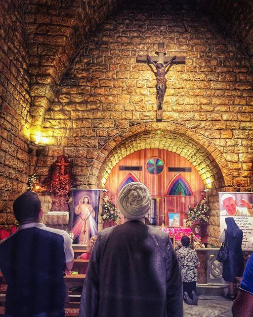 A prayer for internationalpeaceday 🙏... (The Lady of Lebanon - Harissa)